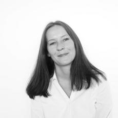 Claudia Engel